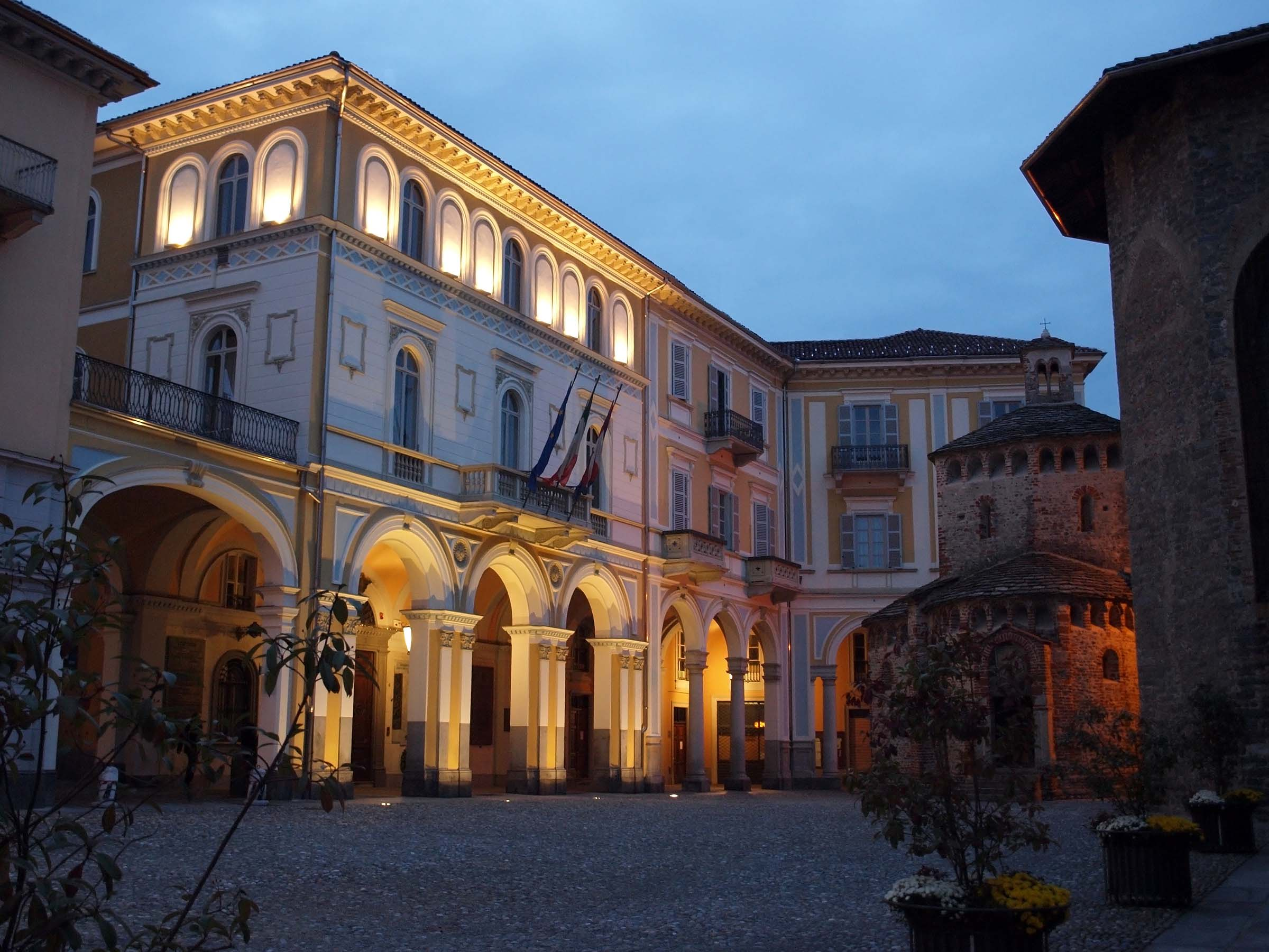 Biella Italy  city images : maggiorenti locali del Pdl sotterrano le armi e puntano su Leardi ...