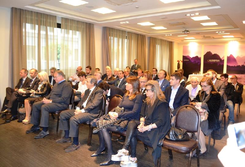 images/galleries/Platea-golden-palace-convegno.jpg