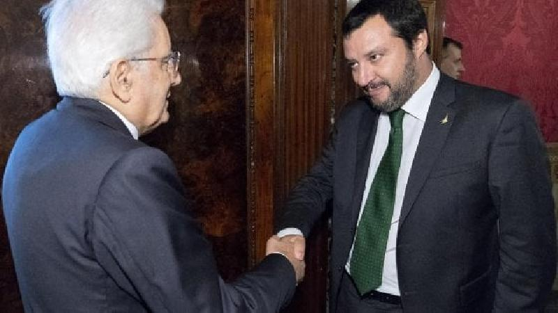 images/galleries/Salvini-Mattarella-Quirinale-mano.jpg