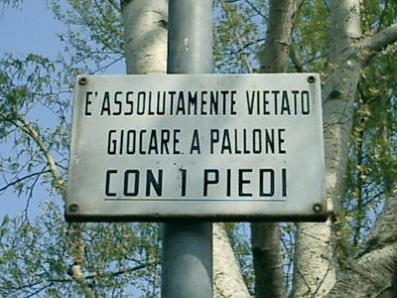 http://www.lospiffero.com/images/galleries/pallone_piedi.jpg
