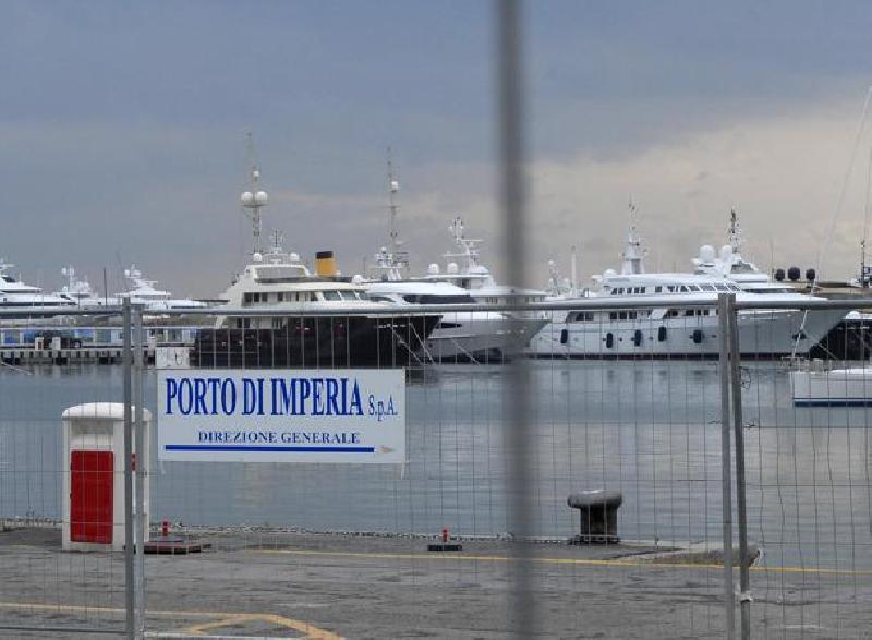Porto di imperia il crac approda a torino lospiffero com for Il porto torino