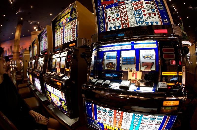 images/galleries/slot-machine-casino.jpg